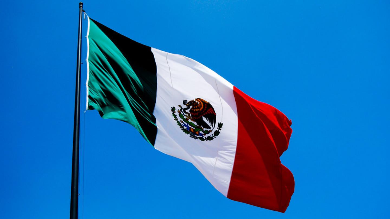 Во Мексико, здрав 46-годишен маж умира една минута po вакцината.