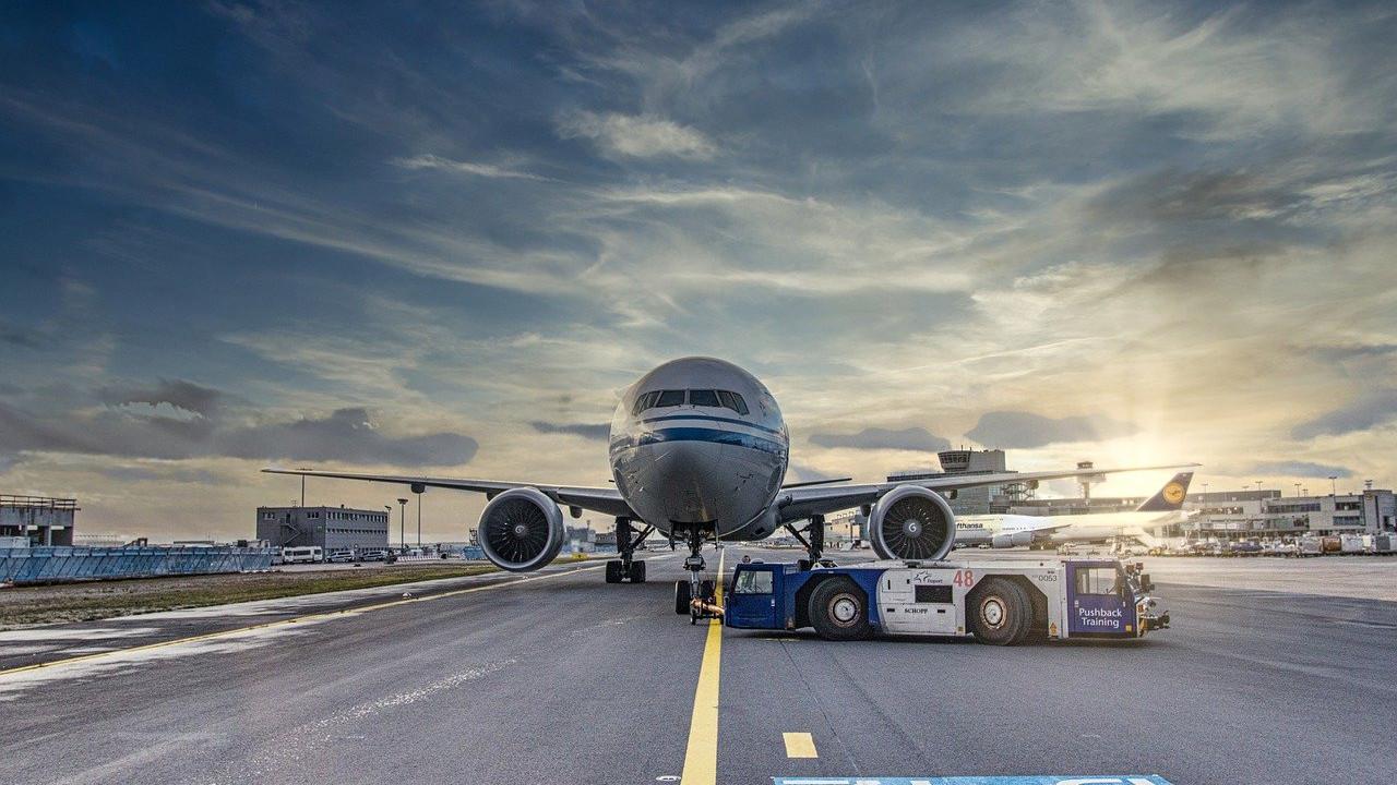 Вакциниран пилот почина за време на летот, авионот принудно слетал