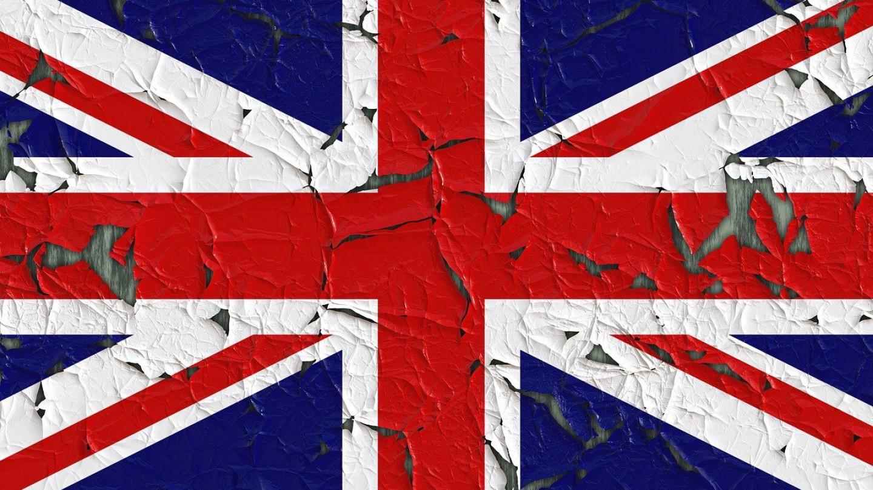Велика Британија започнува флуоризација на водата од чешма