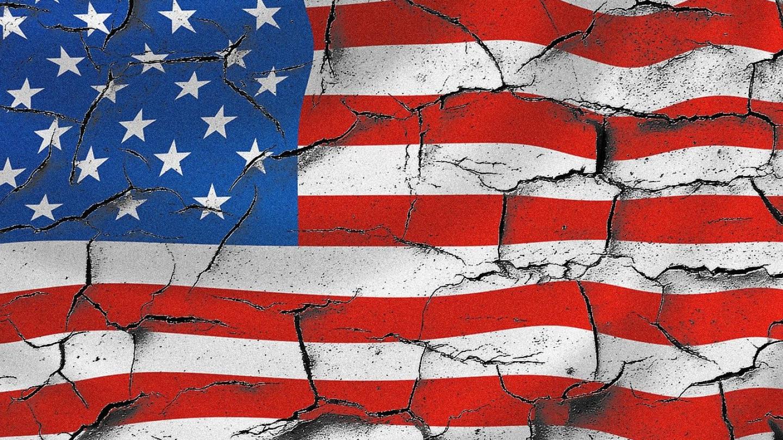 """САД се подготвуваат да ги затворат """"загрозените"""" луѓе во """"кампови за интернирање"""""""