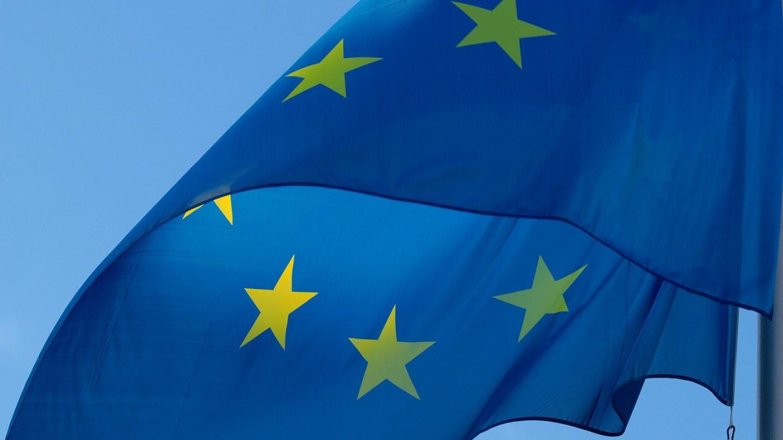 ЕУ го најавува крајот на неконтролирано патување