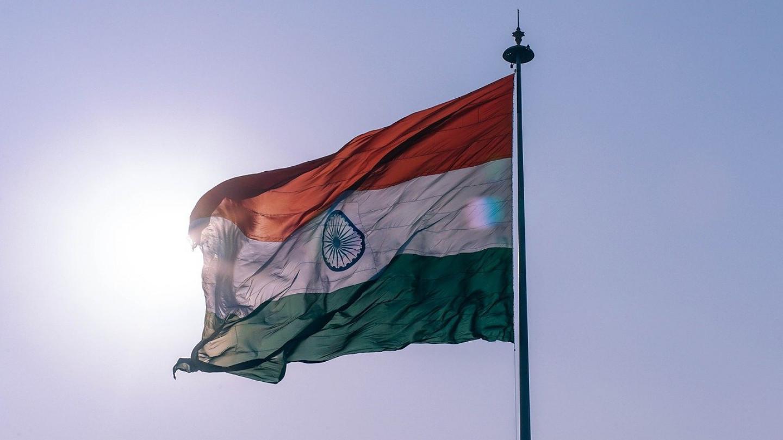 Одрон во Индија - стотици луѓе под урнатините