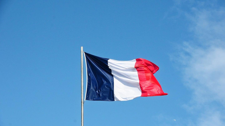 Илјадници тужби во Франција поради управувањето со Ковид-19