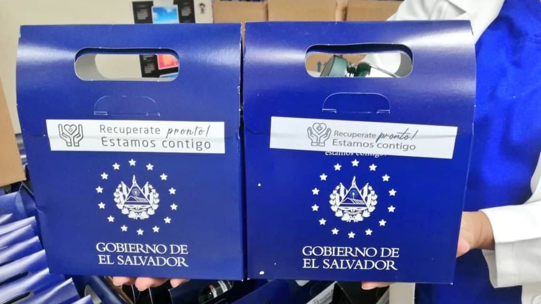 Секој граѓанин во Ел Салвадор добива Анти-КОВИД-19-комплет