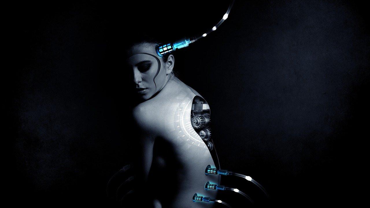 Фузија на човекот и машината - Болна замисла на расипани умови