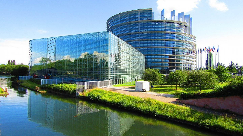 Во Брисел законите за јавното здравје ги пишуваат фармацевтските компании