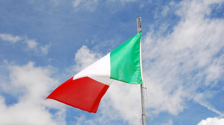 Италија Луѓето го палат пасошот за вакцинација