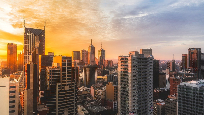 Десетици илјади протестираа во Мелбурн и го запреа сообраќајот
