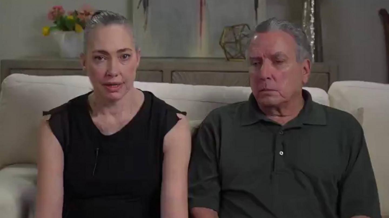 """Родителите на Бенџамин (32) во емотивно видео """"Тој беше убиен од вакцината Јансен. Ова е убиство"""