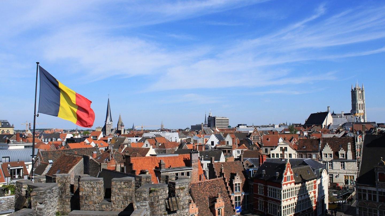 По судска пресуда Белгија мора да ги укине сите мерки за корона