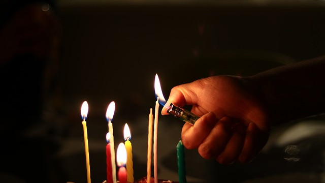 candle-3976143_640