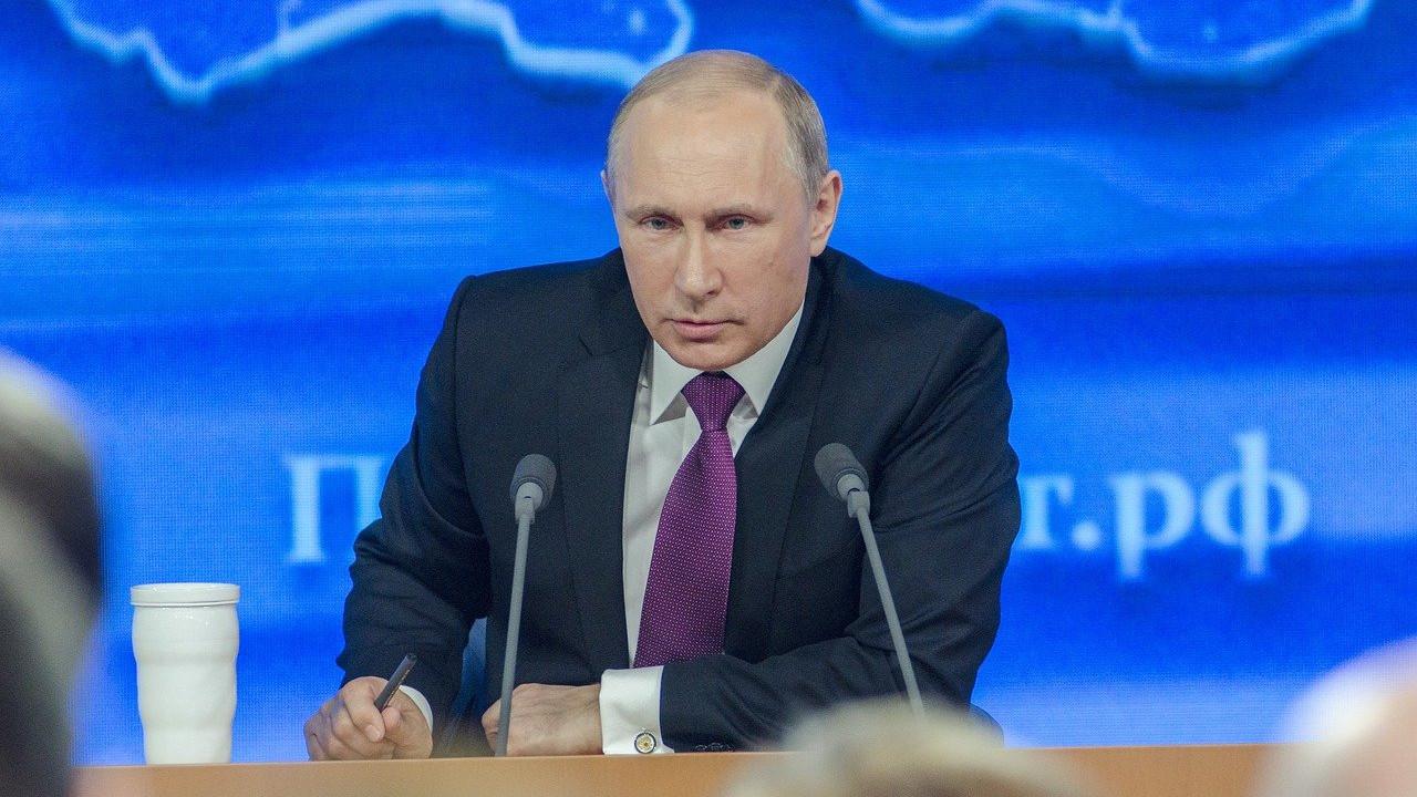 Русија ќе го блокира Твитер ако не ги отстрани содржините за самоубиство, дрога и детска порнографија