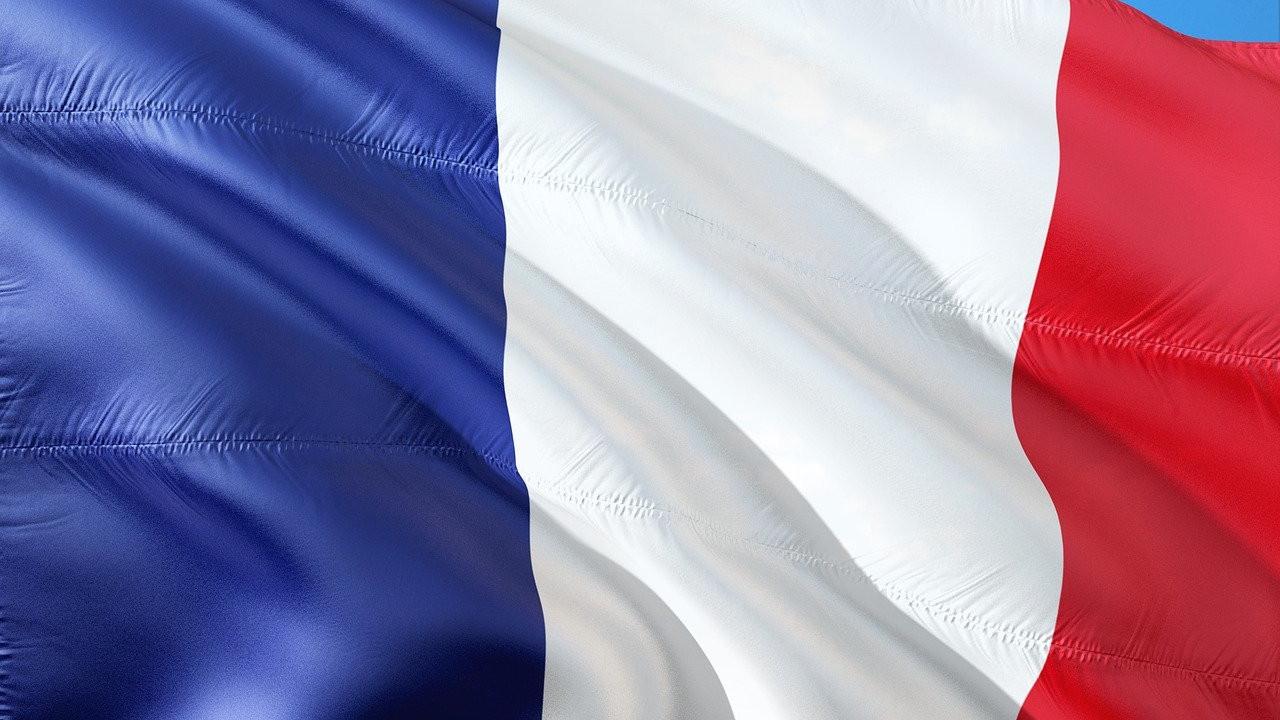 Францускиот Сенат воведе нацрт-закон со кој вакцинациите против КОВИД-19 се задолжителни за секого