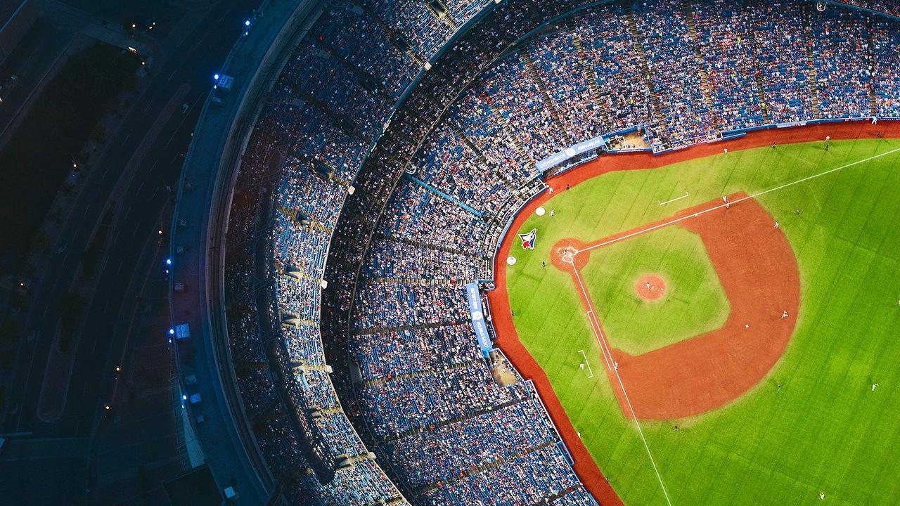 илјадници-во-тексас-во-бејзбол-натпревар-видео