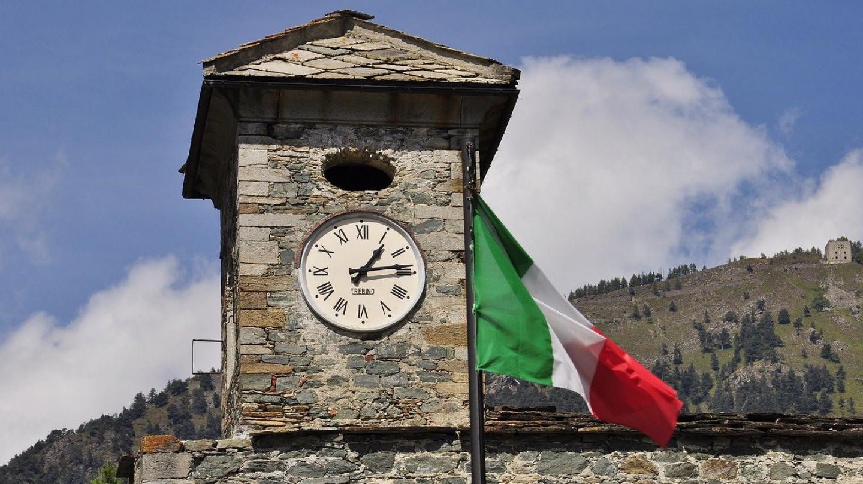 Двајца млади наставници од Италија кои биле вакцинирани во еден ден починале по три недели