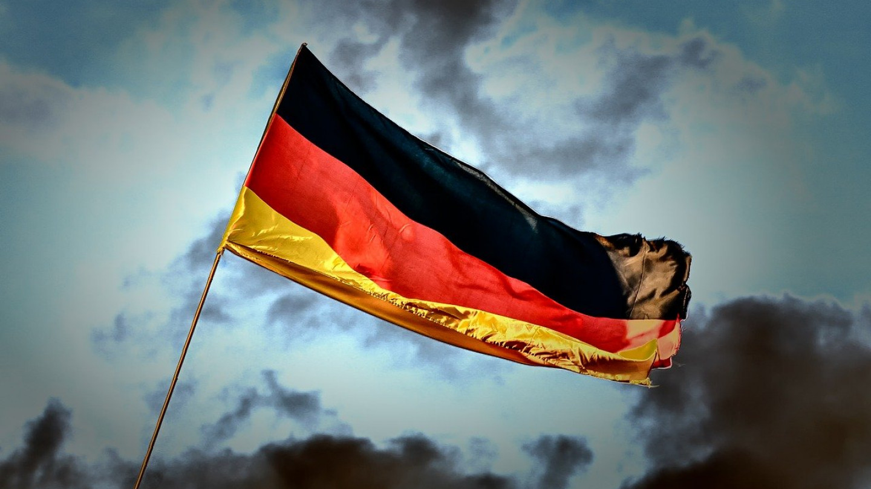 Голема демонстрација против мерките на Корона во Касел -Германија