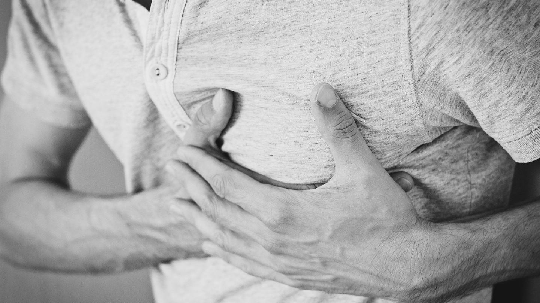 Бројките на случаи на сериозни проблеми со срцето по вакцинацијата против Ковид експлодираа